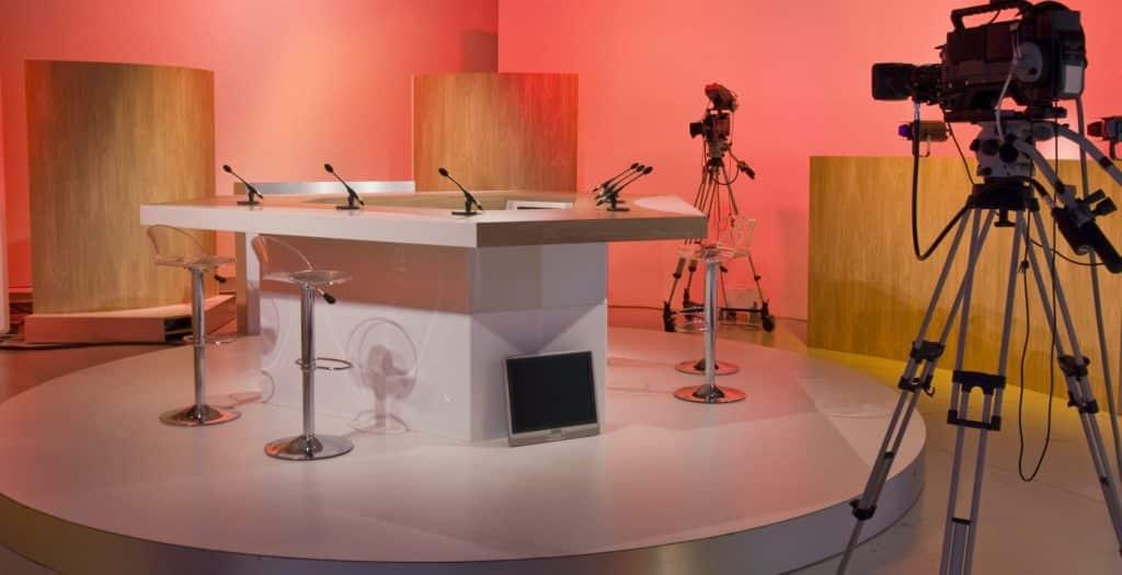 Réalisation d'une étude prospective sur l'évolution du secteur télévisuel français et recommandations de positionnement stratégique