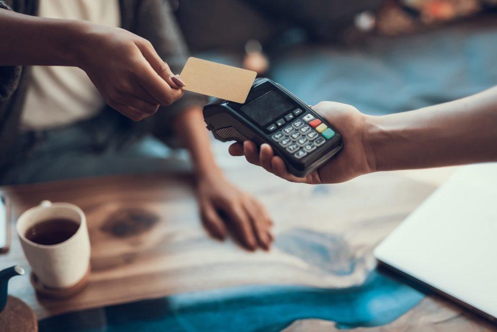 Etude d'opportunité pour le lancement d'une carte de paiement co-brandée pour un groupe hôtelier multimarques