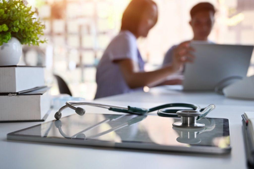 Analyse de l'attractivité de la France dans le tourisme médical comme facteur de croissance d'un établissement de soins et application au plan marketing stratégique de l'établissement